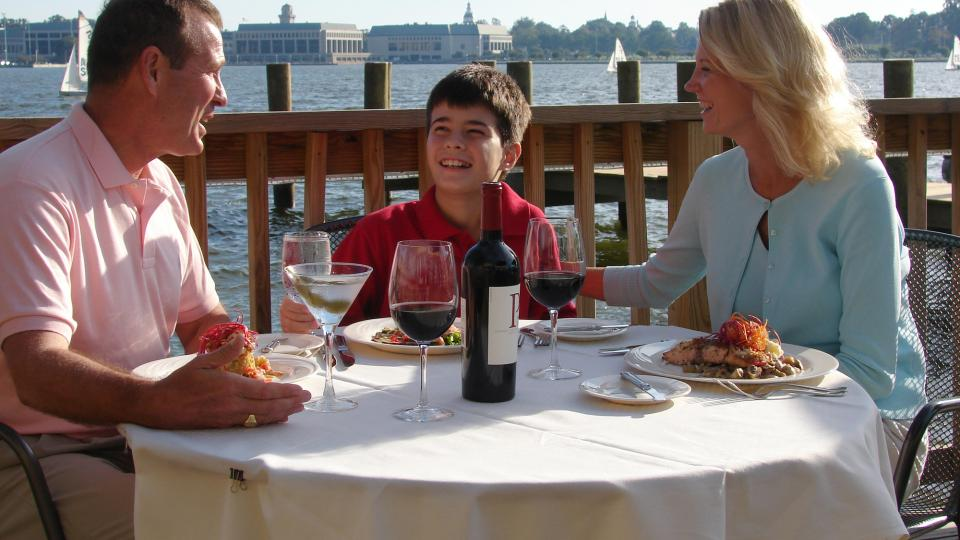 Annapolis Is Peppered With Places To Eat Along The Water Whether You Re Looking