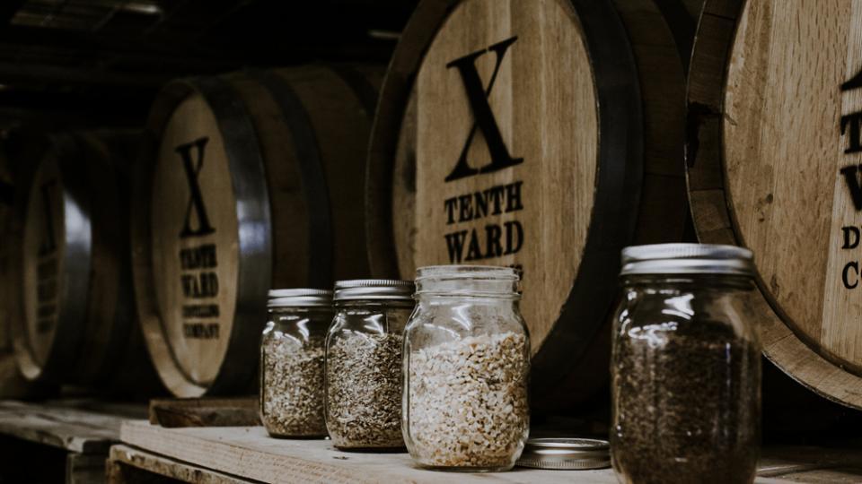 Wood barrels and ingredients