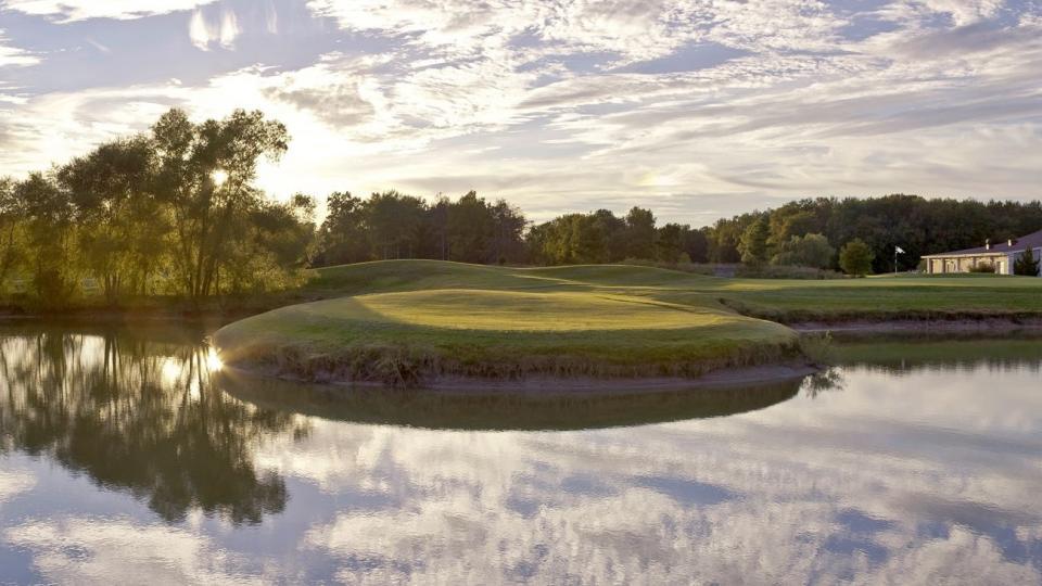 Bay Club Golf Course