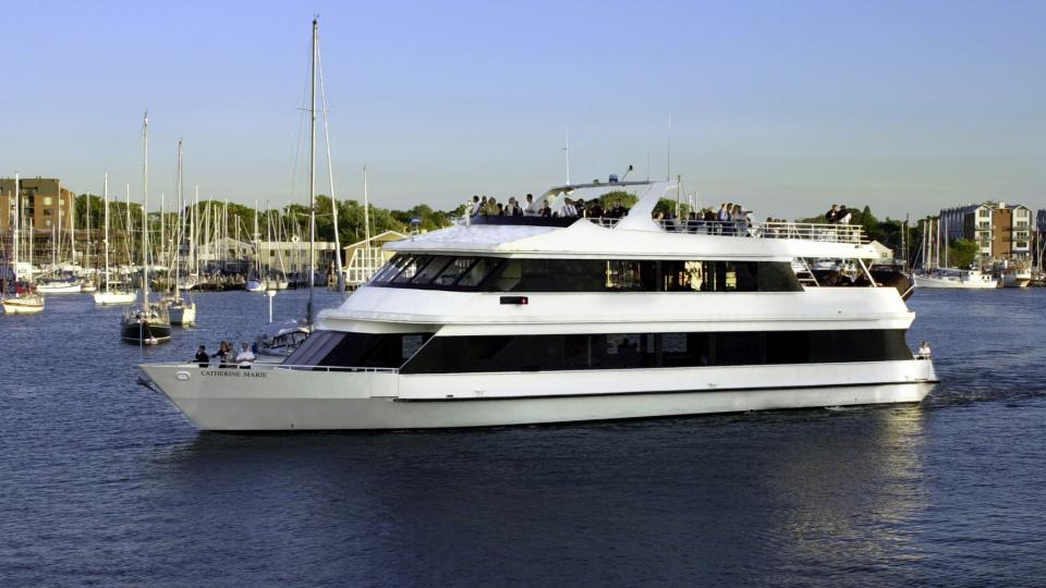 Take your family or group and see the Chesapeake in style when you sail on a yacht charter.