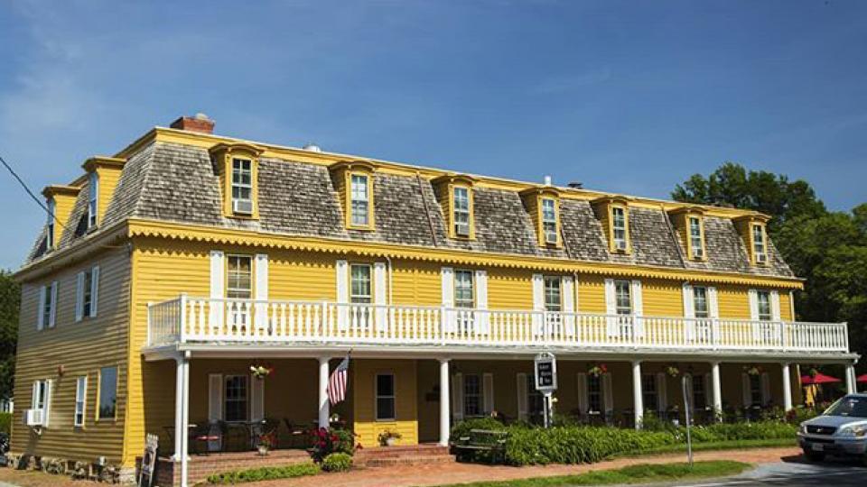 The Historic Robert Morris Inn
