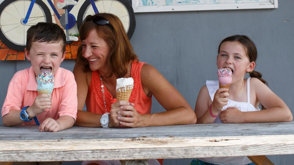 Family enjoying ice cream at the Scottish Highland Creamery, Talbot County