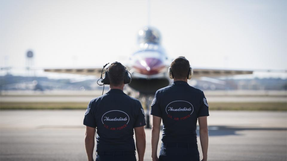 Thunderbird crew at airport