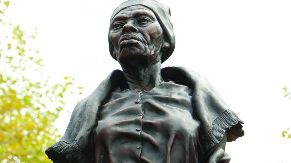 sculpture of Harriet Tubman