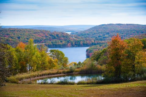 Scenic Deep Creek Lake Fall Foliage
