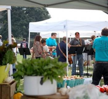 Fun, food and music at Hampstead's Farmers' Market  Photo