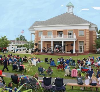 Summer concert on the Lawn at Town Hall Photo