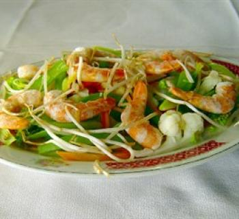 Chinese shrimp dish Photo