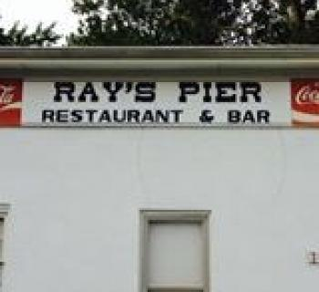 Ray's Pier Restaurant signage Photo
