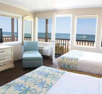 oceanfront room Photo