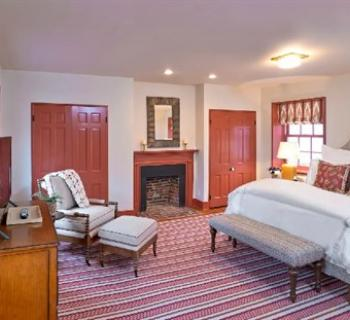 Room at Tusculum Farm Inn Photo