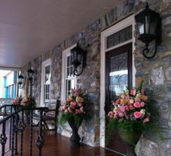 Front porch of Inn BoonsBoro Photo