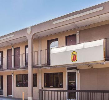 Super 8 Motel-Camp Springs exterior view Photo