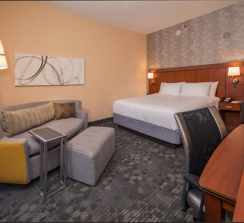 Courtyard by Marriott-New Carrollton room interior Photo