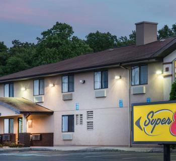 Super 8 Motel-Thurmont exterior view Photo