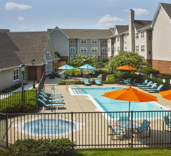 Residence Inn by Marriott-BWI Airport exterior pool area Photo