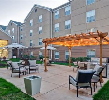 Homewood Suites by Hilton-BWI courtyard Photo