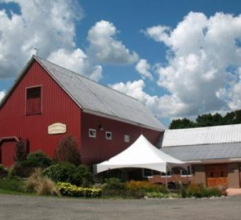 A red barn at the Fridays Creek Winery Photo