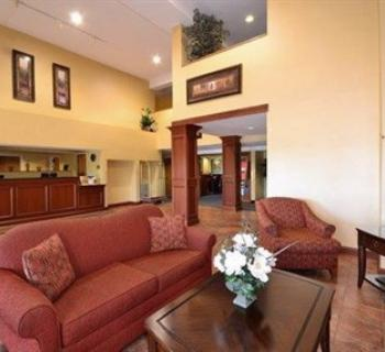Quality Suites-Chestertown lobby Photo