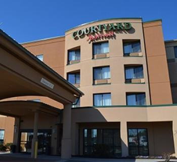 Courtyard by Marriott-Salisbury Photo