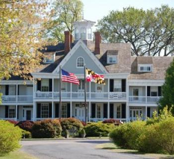 Historic Kent Manor Inn Photo