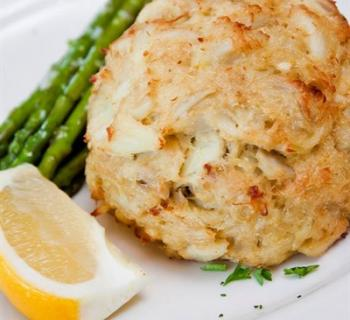 Crab cake and asparagus Photo