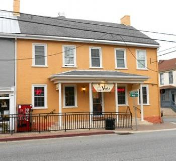 Vesta Pizzeria & Family Restaurant Photo