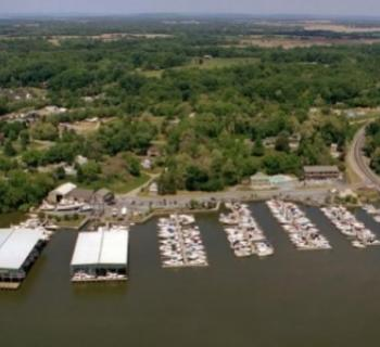Aerial view of marina Photo