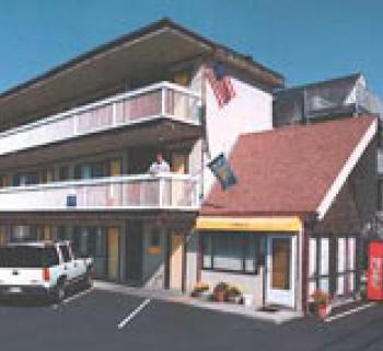 Picture of the Inntown Motel Photo