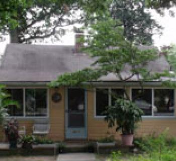 Seahorse Guest Cottage exterior view Photo