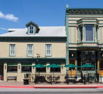 Dan's Restaurant & Tap House on Boonsboro Square. Photo