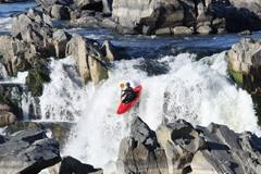 Whitewater kayaking in Great Falls Park