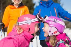 Family skiing at Wisp