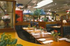 Clyde's Chevy Chase Restaurant interior