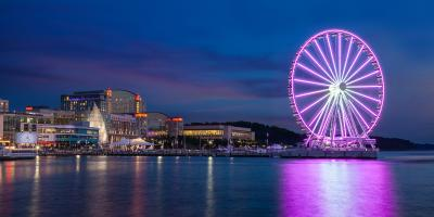 At the heart of the National Harbor is a resort which boasts a huge spa, beautiful atrium and stunning views