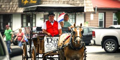 From spring through fall, take a ride by horse and carriage through Berlin's scenic streets, representing two centuries of architectural heritage.