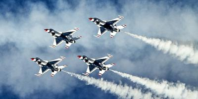 U.S Airforce Thunderbirds performing at the Ocean City Air Show