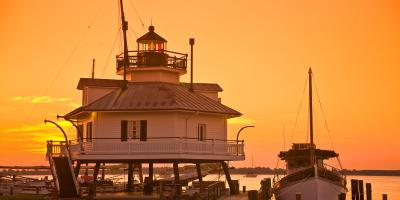 Enjoy the hands-on exhibits and overnight programs at the lighthouse at this museum.